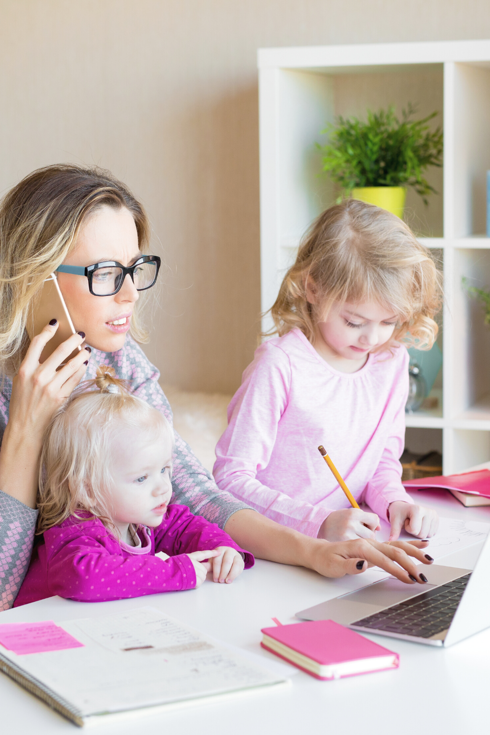 24 Best Ways to Make Money as a Stay-At-Home Mom